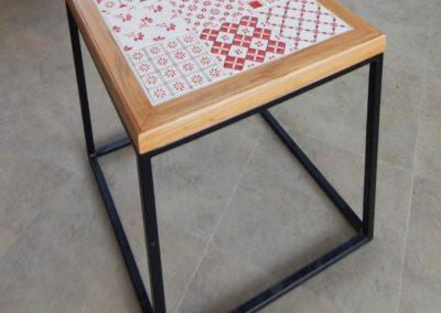 Caroline SOBCZAK - Table patchwork rouge FAÏENCE