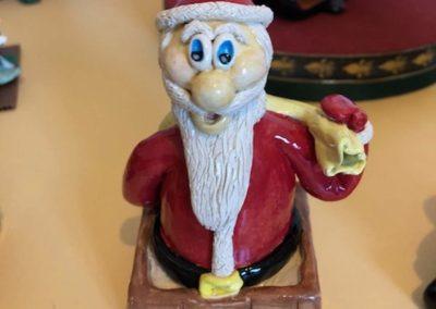 Marlaine Morin - Père Noël en haut de la cheminée
